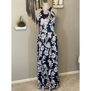 Dresses & Skirts - Gorgeous Floral Maxi Dress